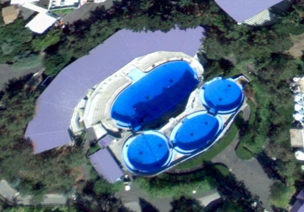 Six Flags- Shouka's pool complex